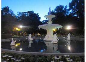 Forsyth park at night